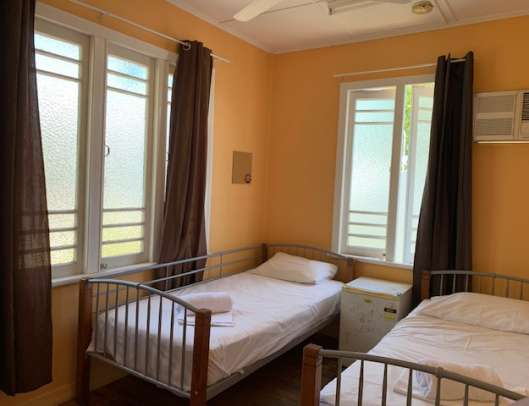 twin share bedroom Civic Guest House Townsville